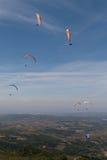 Grupo de paragliders Fotografia de Stock Royalty Free