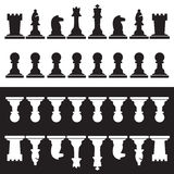 Grupo de partes de xadrez preto e branco Imagem de Stock