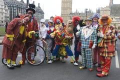 Grupo de payasos en el desfile de Londres Foto de archivo libre de regalías