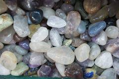 Grupo de pedras preciosas minerais naturais na vista Fotos de Stock Royalty Free