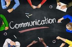 Grupo de personas con conceptos de la comunicación