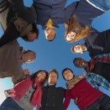 Grupo de personas en círculo Imágenes de archivo libres de regalías