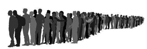 Grupo de personas que espera en la línea silueta del vector Situación de la frontera imagenes de archivo