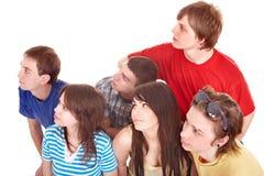 Grupo de personas que mira lejos. Imágenes de archivo libres de regalías