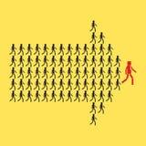 Grupo de pessoas aglomerado no símbolo da seta Maneira ao negócio do sucesso ilustração do vetor