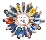 Grupo de pessoas diverso multi-étnico no círculo foto de stock royalty free