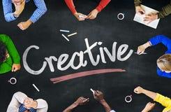 Grupo de pessoas Multi-étnico e conceitos criativos fotografia de stock royalty free