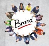 Grupo de pessoas Multi-étnico e conceitos de marcagem com ferro quente imagem de stock royalty free