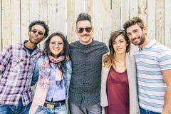 Grupo de pessoas multicultural foto de stock