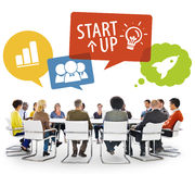 Grupo de pessoas na reunião com conceito Startup Fotos de Stock Royalty Free