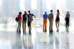 Grupo de pessoas no centro de negócios da entrada fotos de stock royalty free
