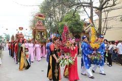 Grupo de pessoas que atende a festivais tradicionais Fotografia de Stock