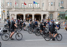 Grupo de polícia em bicicletas Fotografia de Stock
