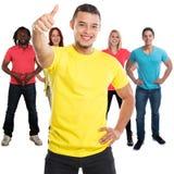 Grupo de polegares do sucesso dos amigos acima dos jovens quadrados bem sucedidos isolados no branco imagens de stock royalty free
