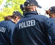 Grupo de policía alemana de detrás Fotografía de archivo