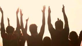 Grupo de povos de aplauso, vista traseira video estoque