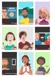 Grupo de povos diferentes em vídeos do Internet foto de stock royalty free