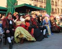 Grupo de povos disfarçados foto de stock royalty free