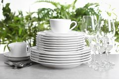 Grupo de pratos limpos fotografia de stock
