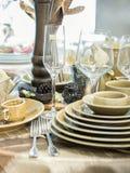Grupo de pratos na tabela foto de stock royalty free