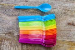 grupo de pratos plásticos foto de stock