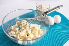 Grupo de produtos para cozinhar queques no guardanapo Imagens de Stock