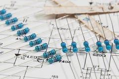 Grupo de resistores eletrônicos foto de stock