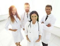 Grupo de retrato de los trabajadores médicos en hospital Imagen de archivo