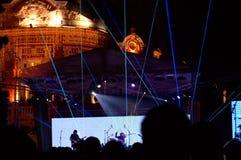 Grupo de rock no concerto vivo da véspera de anos novos Fotografia de Stock