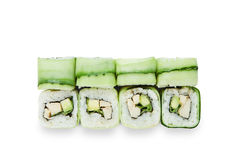 Grupo de rolos de sushi isolados no branco Foto de Stock