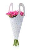 Grupo de rosas cor-de-rosa no empacotamento de papel Fotografia de Stock
