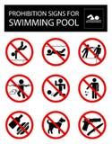 Grupo de sinais e de regras da proibição para a piscina Fotografia de Stock Royalty Free