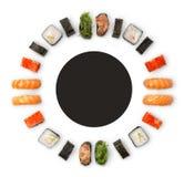 Grupo de sushi, de maki e de rolos isolados no fundo branco fotos de stock royalty free