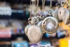 Grupo de suspensão dos relógios de bolso Foto de Stock Royalty Free
