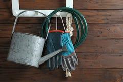 Grupo de suspensão profissional das ferramentas de jardinagem Fotografia de Stock Royalty Free