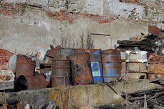 Grupo de tambores com resíduos tóxicos Fotos de Stock Royalty Free