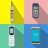 Grupo de telefones celulares da história Ilustração do vetor dos dispositivos móveis Projeto liso do estilo com sombra longa Imagens de Stock