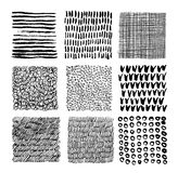 Grupo de texturas sem emenda tiradas mão com garranchos, manchas, cursos, linhas, círculos no fundo branco monocromático ilustração stock