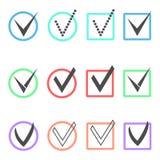 Grupo de tiquetaques diferentes em umas caixas coloridas e em uns círculos Fotografia de Stock