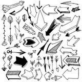 Grupo de tiragem de setas do vintage e do grunge, vetor esboçado Imagem de Stock