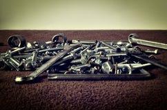 Grupo de tornillos y de llaves Imagenes de archivo