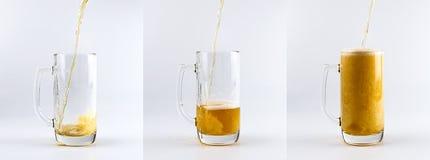 Grupo de três canecas do vidro de cerveja Canecas de vidro de enchimento com sequência da cerveja Fotografia de Stock Royalty Free