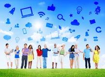 Grupo de trabalhos em rede Multi-étnicos do Social dos povos Imagens de Stock Royalty Free