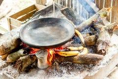 Grupo de turistas que cozinham o estilo nativo Imagens de Stock Royalty Free