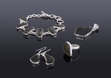 Grupo de um bracelete, brincos da joia da pedra preciosa, pendente Imagens de Stock Royalty Free