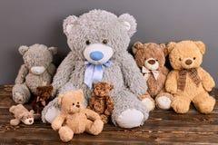 Grupo de ursos de peluche imagens de stock