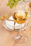 Grupo de uvas e do vinho branco Foto de Stock Royalty Free