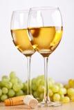 grupo de uvas e do vinho branco Imagem de Stock Royalty Free