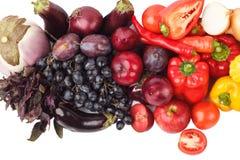 Grupo de vegetais crus frescos coloridos e de frutos Imagem de Stock