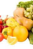 Grupo de vegetais crus frescos coloridos e de frutos, isolado Imagem de Stock Royalty Free